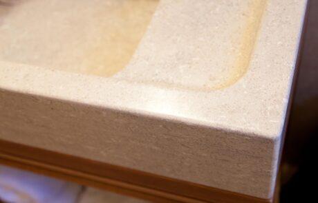 Dettaglio lavandino in Marmo Grolla Bagno italiano