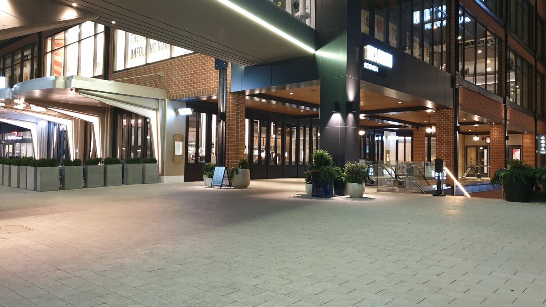 Dettaglio pavimento Ballstone Quarter in Marmo Grigio Olivo e Marmo Grolla