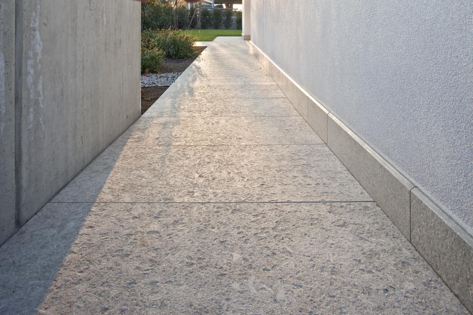 Dettaglio pavimento in Marmo Grigio Olivo villa privata