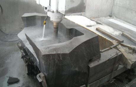 Lavorazione tavoli da lavoro chottomatte in basalto