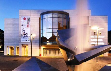 Marmo Grolla utilizzato per facciata del teatro di Bolzano