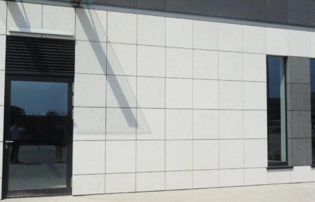 Marmo Grolla utilizzato per la facciata dello Poleczki Business Park
