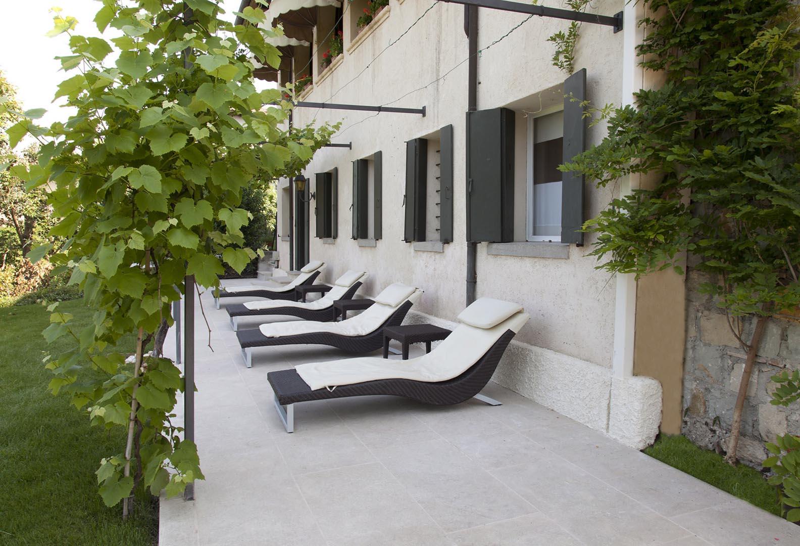 Marmo Grolla utilizzato per pavimenti esterni dell Hotel Cipriani