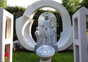Monumento tomba svizzera