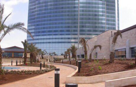 Pavimentazione esterna al Sheraton Oran Hotel in Algeria in Marmo Grolla