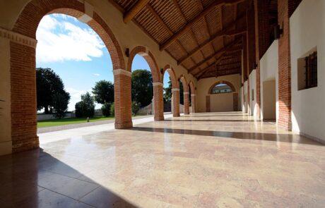 Pavimentazione esterna villa privata italiana in Marmo Grolla