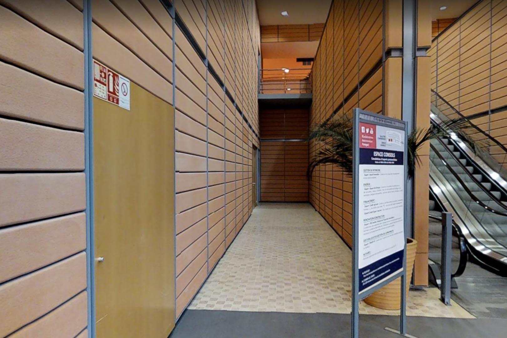 Pavimenti interni in Marmo Grolla al Citè Internationale de Lyon