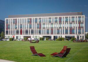 Poleczki Business Park facciata realizzate in Marmo Grolla
