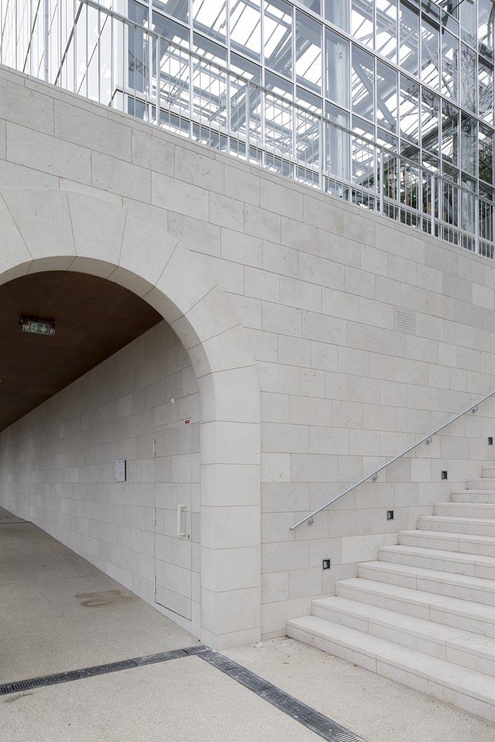 Scale e parete in Marmo Grolla