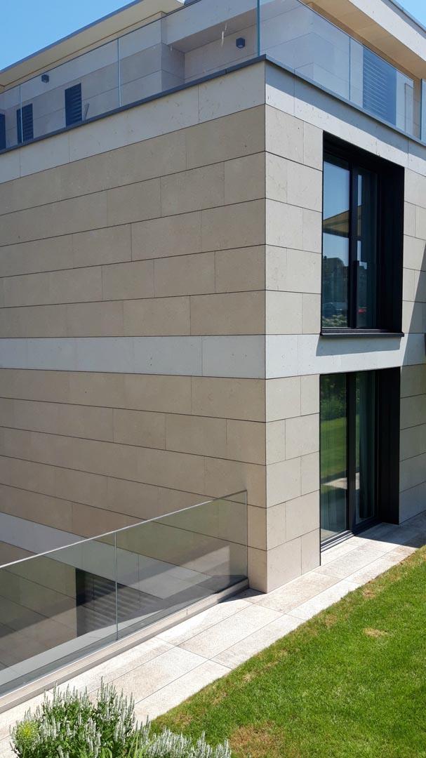 Villa privata svizzera grolla beige spazzolato